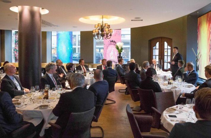 Peaminister Jüri Ratas lõunasöögil Norra investoritega. Foto: Peaministri büroo